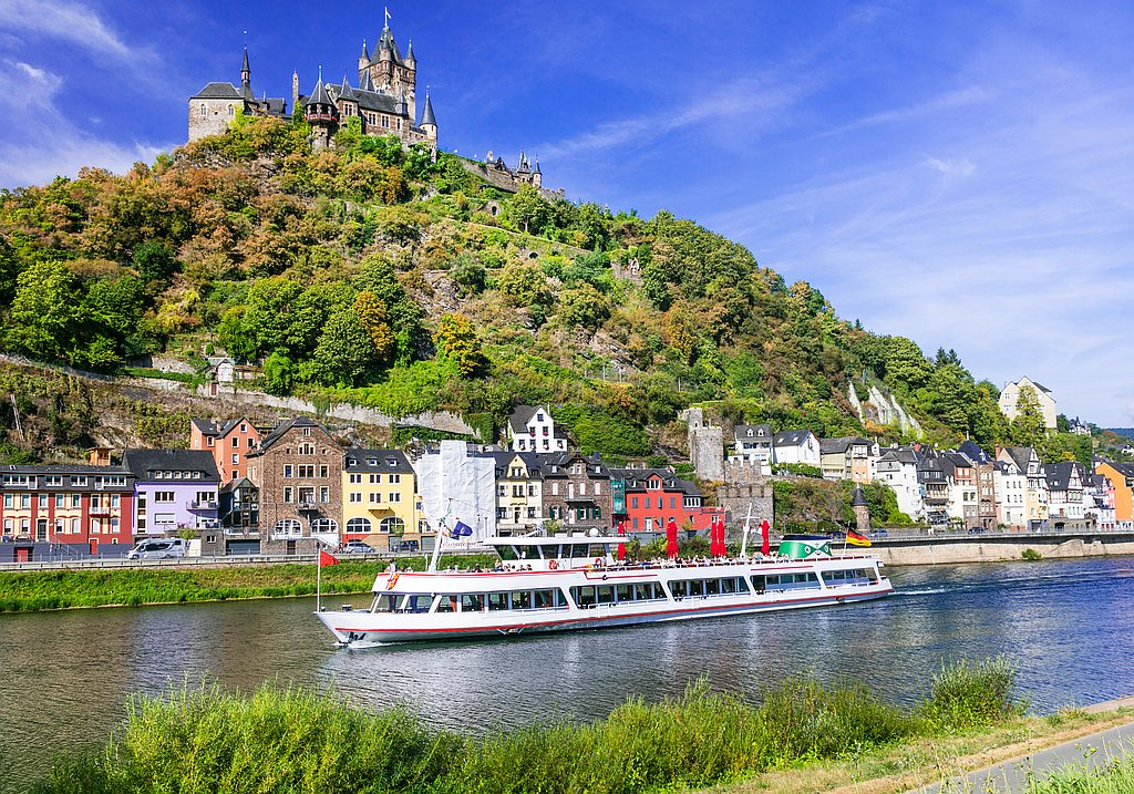 River cruise as corporate event