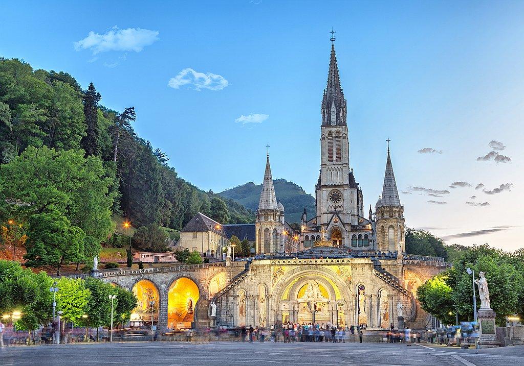 pilgrim travel Lourdes
